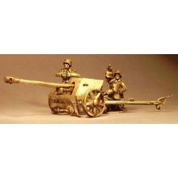 German Pak 40 Gun With Crew...