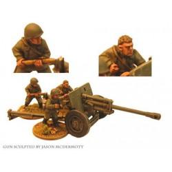 Russian 76mm At Gun and 3 Crew